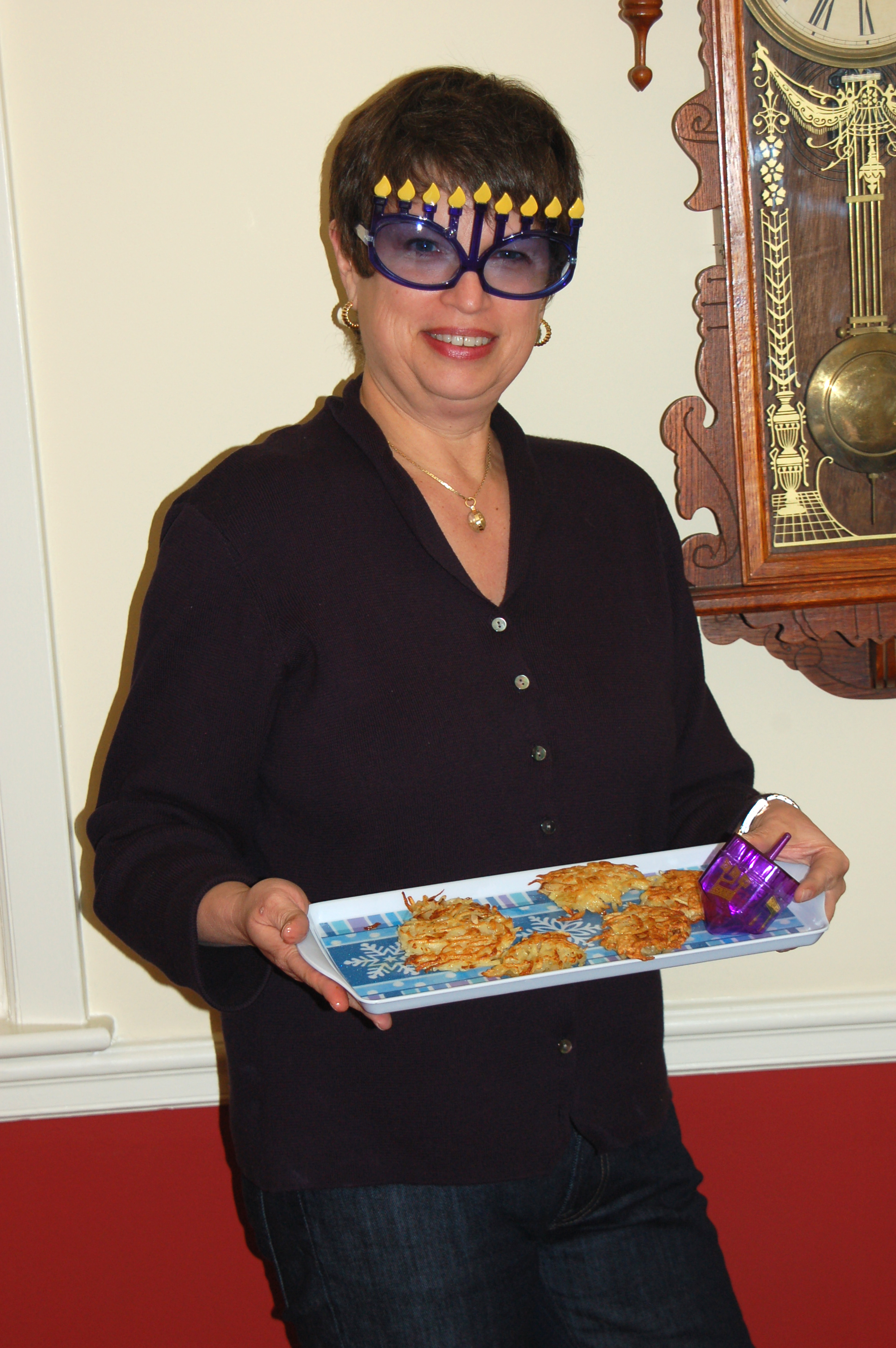 Chic Cousin Jane Shows Off the Latkes